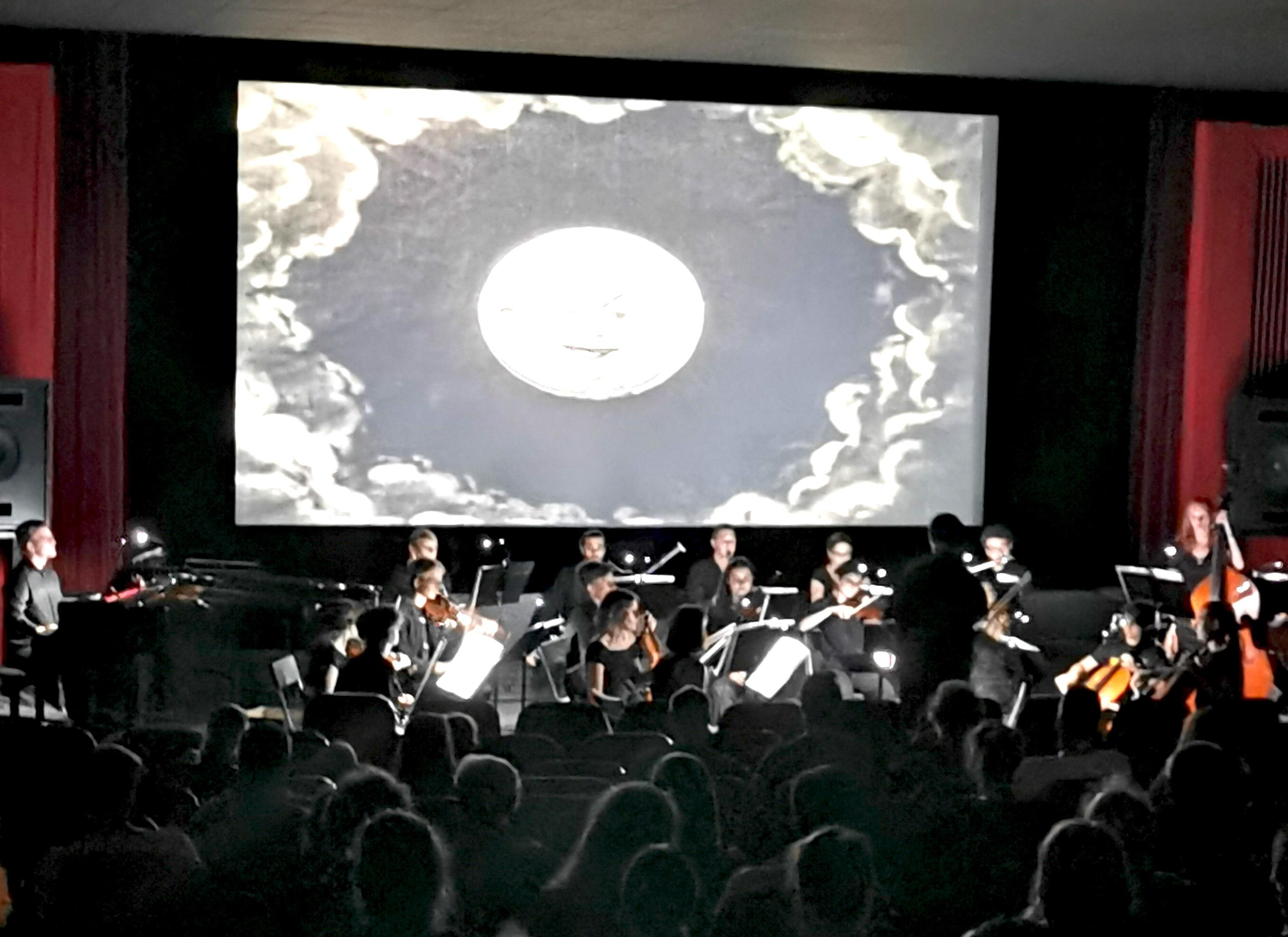 Foto 1 Reise zum Mond -  Stummfilmvertonung