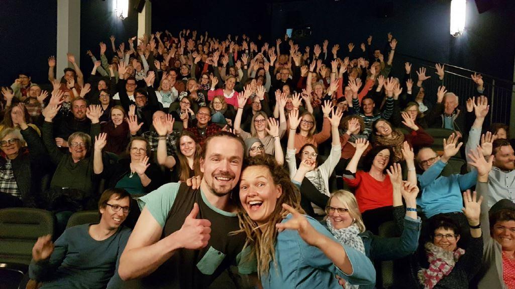 Reiss aus. Zu Gast: Lena Wendt & Ulrich Stirnat.